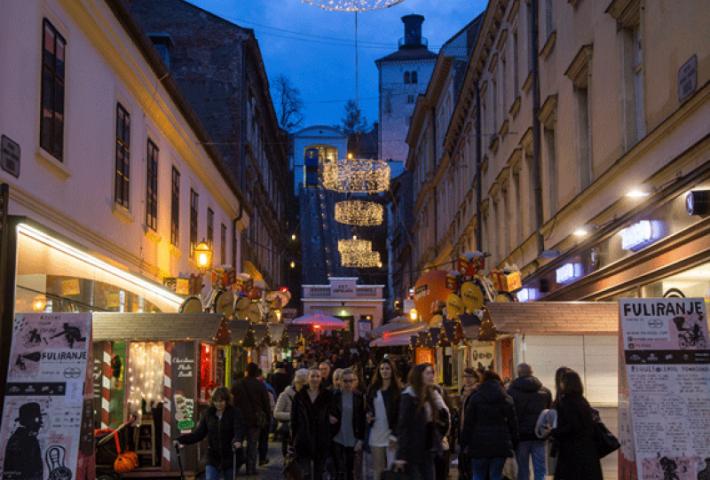 Romantische Tour, Zagreb bei Nacht